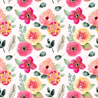 Beautiful pink floral watercolor seamless pattern