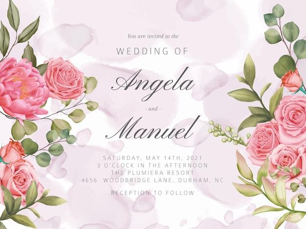 結婚式招待状の美しいピンクのバラの花の花束の背景