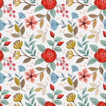 美しい赤いバラと小さな花のシームレスなパターン。