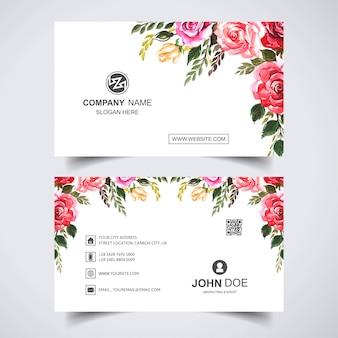 Красивый акварельный цветок с шаблоном визитной карточки