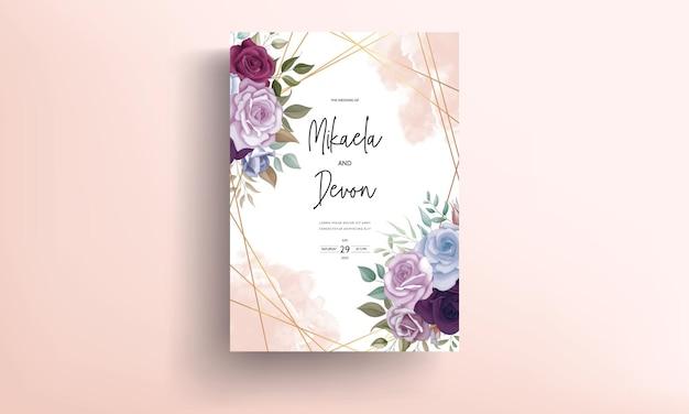 아름다운 꽃 장식이 있는 아름다운 청첩장