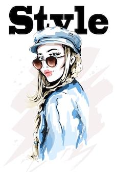 세련 된 모자에 아름 다운 젊은 여자