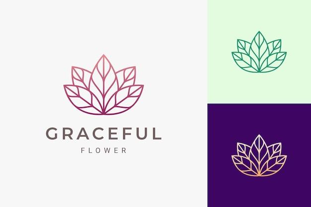 Салон красоты или логотип салона в роскошной и женственной форме цветка