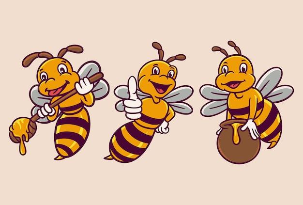 꿀벌은 꿀 숟가락과 꿀 배럴 동물 로고 마스코트 일러스트 팩을 들고있다