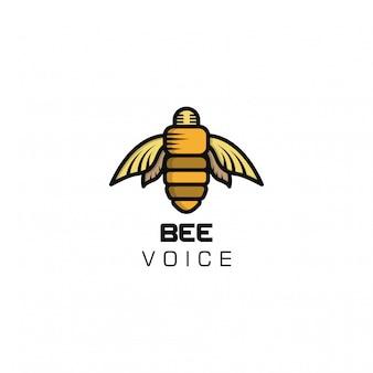Шаблон логотипа голоса пчелы. пчелиный голос логотип. комбинация логотипа пчелы и микрофона.