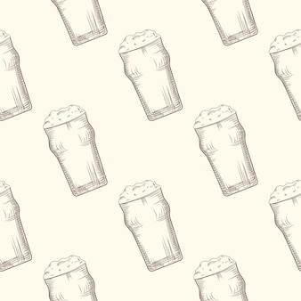 Beer glass seamless pattern. alcoholic beverage design.