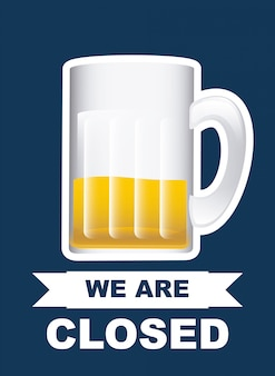 Кружка пива над синим, мы открыты
