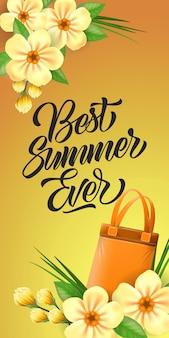여름 최고의 레터링. 가방과 꽃과 오렌지 배경에 크리 에이 티브 비문