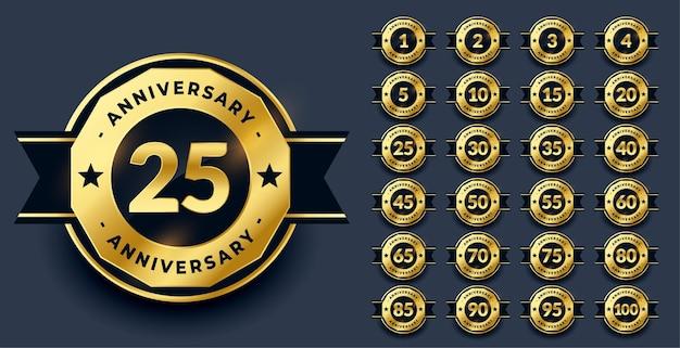 Grandi etichette anniversario impostate in colore dorato