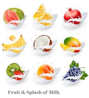 Большая коллекция иконок фруктов в молочном всплеске. гуава, банан, апельсин, кокос, виноград, киви, гранат, персик, манго. набор