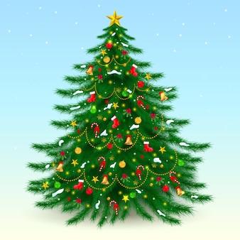 Большая украшенная елка с рождеством