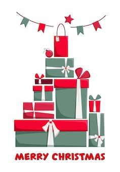 赤と緑で包まれたギフトボックスと白い背景で隔離の花輪の大きな山。ボクシングデーやクリスマスのコンセプト。新年の贈り物。