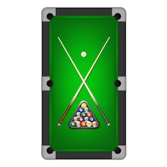 Бильярдные шары, треугольник и два кия на бильярдном столе.