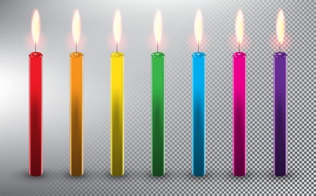 생일 케이크 촛불. 다채로운 왁 스 양 초입니다. 흰 배경에 고립.