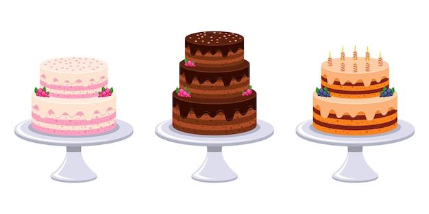 白い背景で隔離の誕生日ケーキ