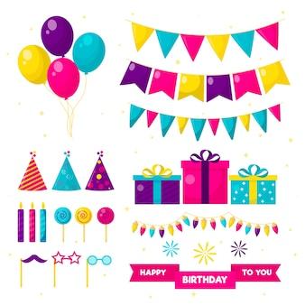 Decorazione di compleanno con regali e palloncini
