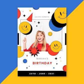 Modello di design piatto invito di compleanno