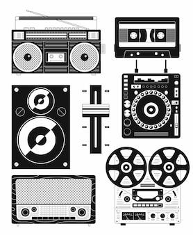 Черно-белые иллюстрации набор иконок музыкального оборудования. магнитофон, аудиокассета, динамик, усилитель, диджейский микшер, магнитола, катушечный магнитофон.