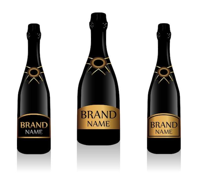 黒のシャンパンボトルまたはラベル付きのスパークリングワイン。白い背景で隔離のガラス瓶コレクション。