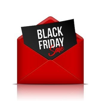Черная пятница надпись на листе черной бумаги в реалистичном красном конверте