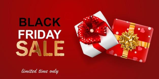 ブラックフライデーセールバナー。赤い背景に弓とリボンのギフトボックス。ポスター、チラシ、カードのベクトルイラスト。