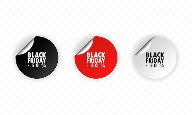 검은 금요일 스티커. 판매 스티커. 최대 50 %까지 판매합니다. 검정, 빨강 및 흰색 할인