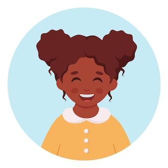 歯にブレースを付けた黒人の女の子歯科治療