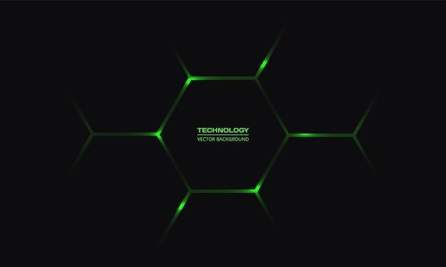 Черный шестиугольный технологический фон с яркими зелеными вспышками энергии