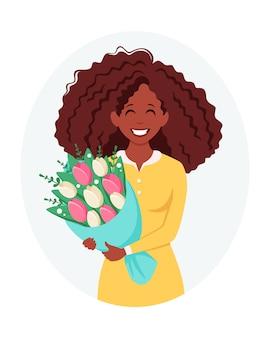 꽃의 부케와 함께 흑인 여성