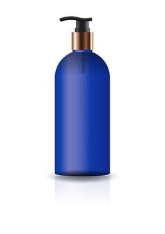Пустая синяя косметическая круглая бутылка с головкой насоса.