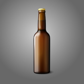 Чистая коричневая реалистическая пивная бутылка, изолированная на сером фоне с местом для вашего дизайна и брендинга.