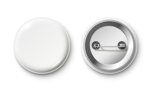 空白のボタンバッジ。白いピンバックバッジ、ピンボタン、ピン留めされた現実的な分離