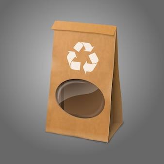 Пустой крафт реалистичный бумажный упаковочный пакет со знаком утилизации и прозрачным окном