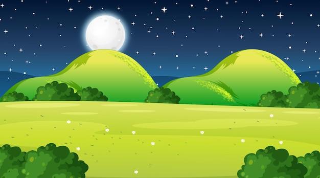 밤 시간에 빈 초원 풍경 장면