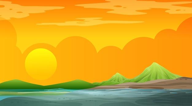 山の背景と日没時のシーンで空白の自然の風景
