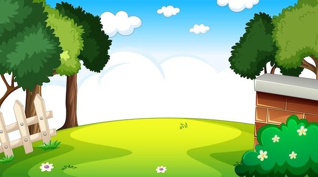 하늘에 많은 구름과 낮 장면에서 빈 자연 공원 풍경