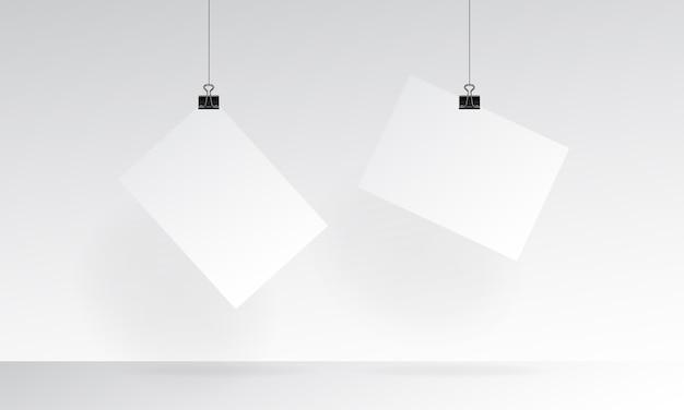 Чистый лист бумаги реалистично макет с висящими