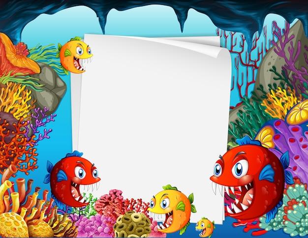 水中シーンでエキゾチックな魚の漫画のキャラクターと白紙のシート