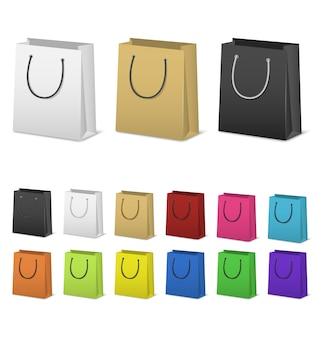 白で隔離される空白の紙のショッピングバッグセット