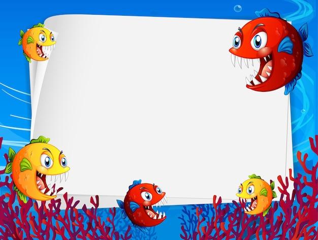 水中シーンでエキゾチックな魚の漫画のキャラクターと白紙のテンプレート