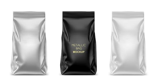 Пустой пластиковый, металлический или фольгированный пакет для упаковки, шаблон для кофе, чая, закусок, чипсов, печенья, арахиса, конфет. реалистичные иллюстрации, изолированные на белом фоне