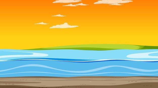 Cielo vuoto alla scena del tramonto con un paesaggio alluvionale vuoto