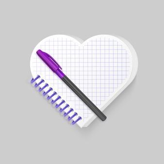 Пустой спиральный блокнот с сердечком