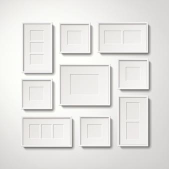 Коллекция пустых белых рамок для картин, висящих на стене, реалистичный стиль 3d иллюстрации