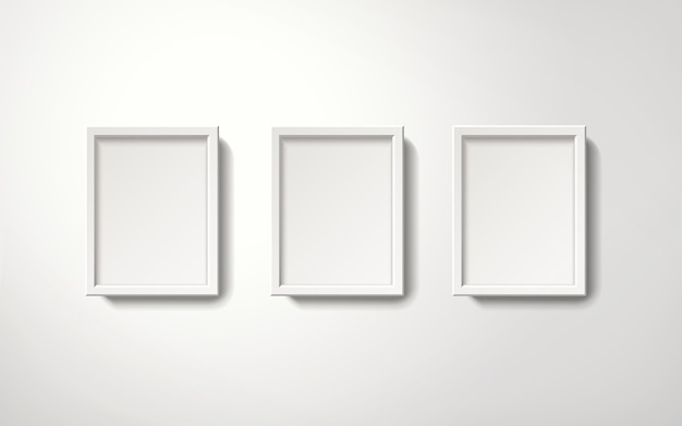 벽에 매달려 질서 정연한 방법으로 빈 흰색 액자 컬렉션, 3d 그림 현실적인 스타일