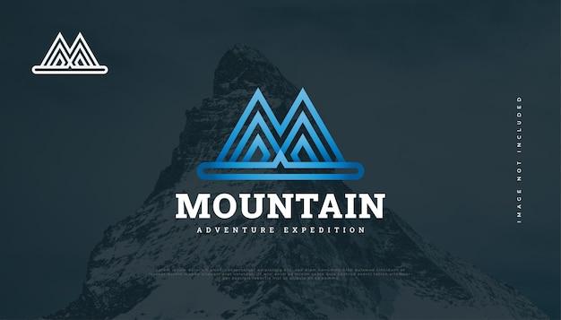 Дизайн логотипа blue mountain с буквой m. hill логотип для индустрии приключений, путешествий или туризма