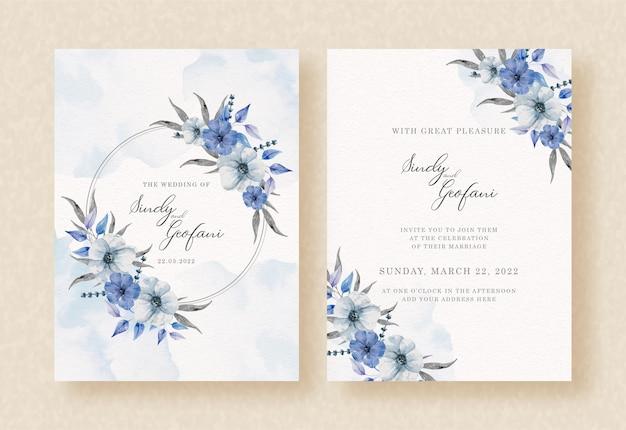 花輪の花の青と結婚式の招待カードに水彩の背景をはねかける