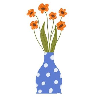 파란색 꽃병에 필드 오렌지 양 귀 비의 꽃다발입니다. 잎과 줄기가 흰색으로 분리된 아름다운 개화 구성.