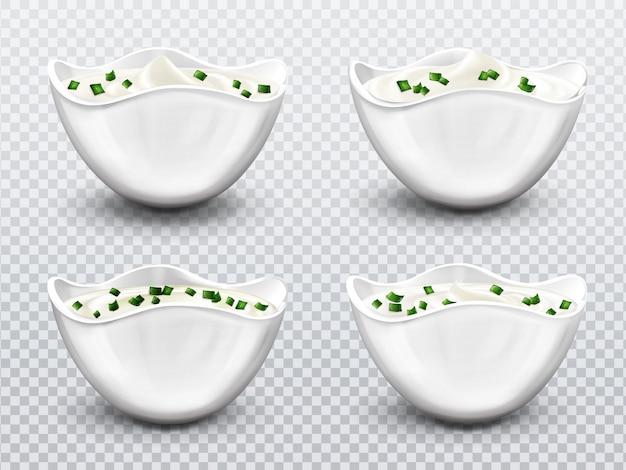 Чаша с набором соусов, сливок, майонеза или йогурта