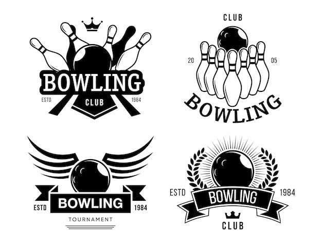 ボウリングクラブラベルセット。テキスト、ボール、ピン、レトロなスタイルのボウリングチームシンボルのモノクロエンブレムテンプレート。エンターテインメント、趣味、レジャーのベクトルイラスト